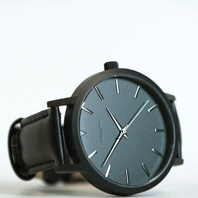 03 Black:Black
